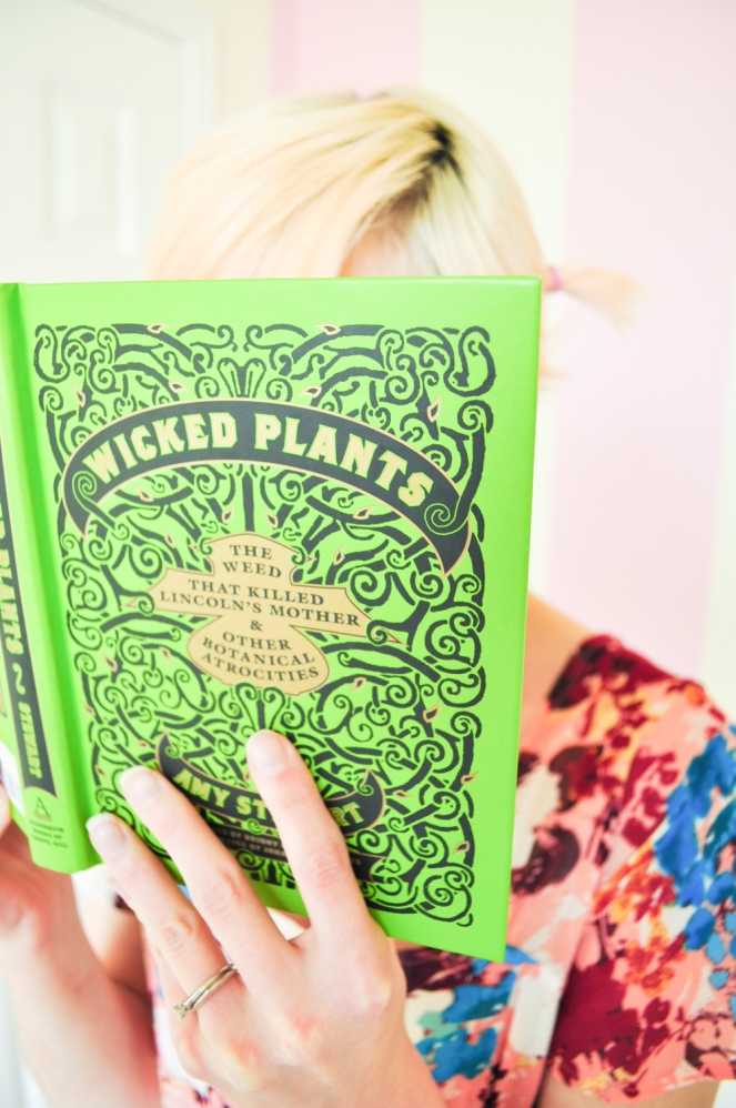 Pastel Carousel | Book Review | Wicked Plants by Amy Stewart