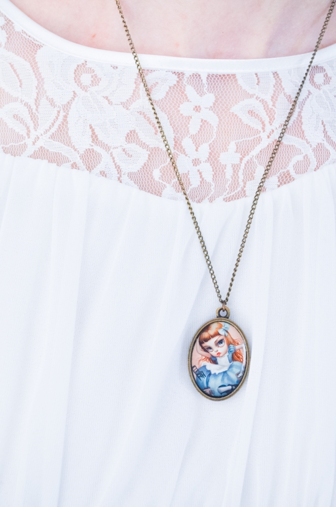 Pastel Carousel | Easter Style OOTD | Alice in Wonderland | The White Rabbit | Mab Graves