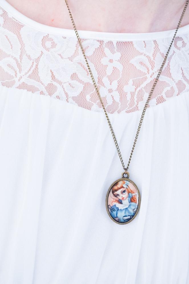 Pastel Carousel | Easter Style OOTD | Alice in Wonderland | The White Rabbit | Mab Graves