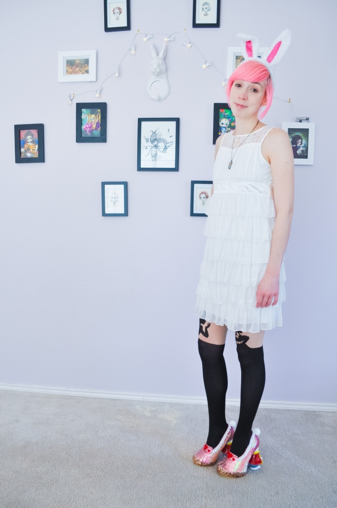 Pastel Carousel | Easter Style OOTD | Alice in Wonderland | The White Rabbit | Irregular Choice