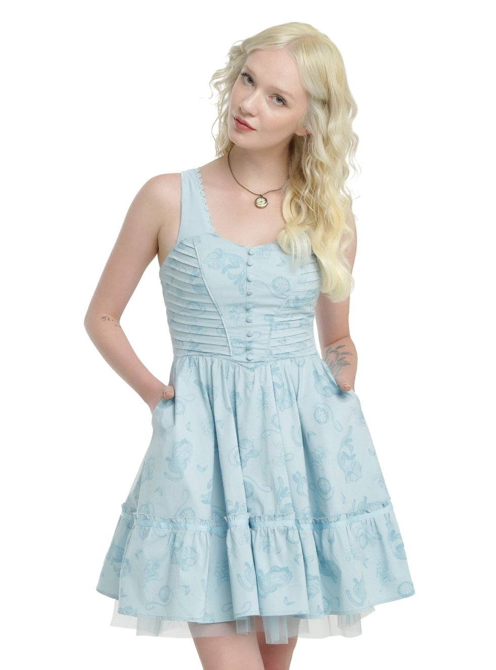 Pastel Carousel | Monday Must Haves | Alice in Wonderland | Alice Through The Looking Glass | Hot Topic